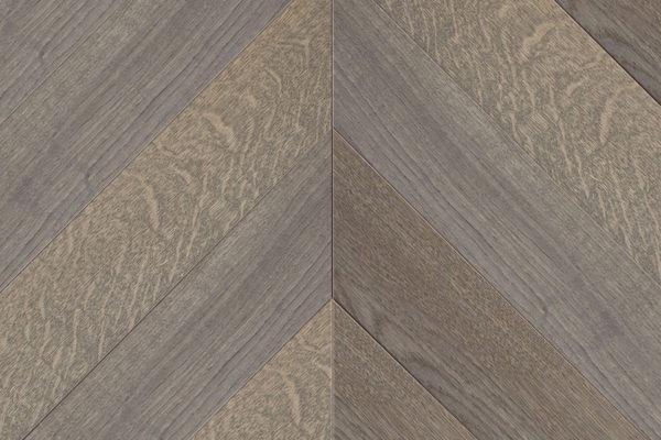 Массивная доска елочка Дуб GREY R рустик 100 мм