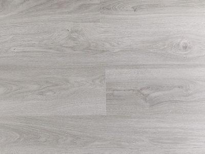 Ламинат Дуб серый серебристый 1200x190x8 мм Clix by Unilin 32 (AC4) класс производится на российском заводе немецкого концерна Юнилин. Имеет влагостойкую плиту высокой плотности