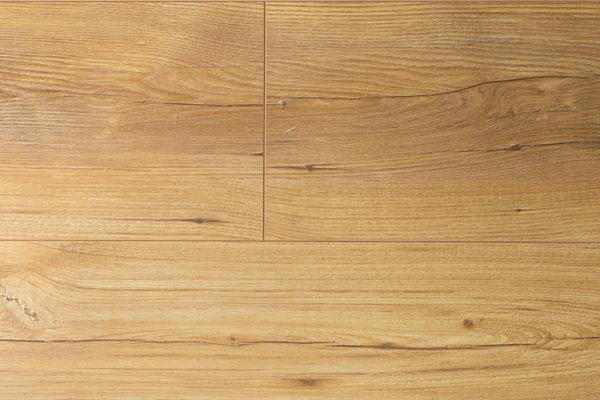 Ламинат Kronopol VISION Lebanon Cedar производится в Польше на заводе известного швейцарского концерна SWISS KRONO. Экологически чистая и плотная плита HDF