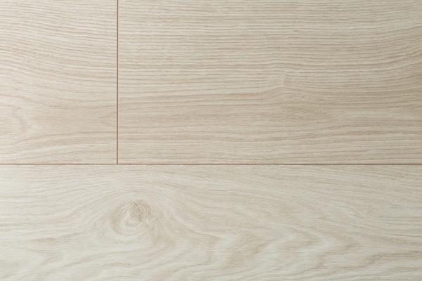 Ламинат Kronopol MARS Jupiter Oak производится в Польше на заводе известного швейцарского концерна SWISS KRONO. Экологически чистая и плотная плита HDF
