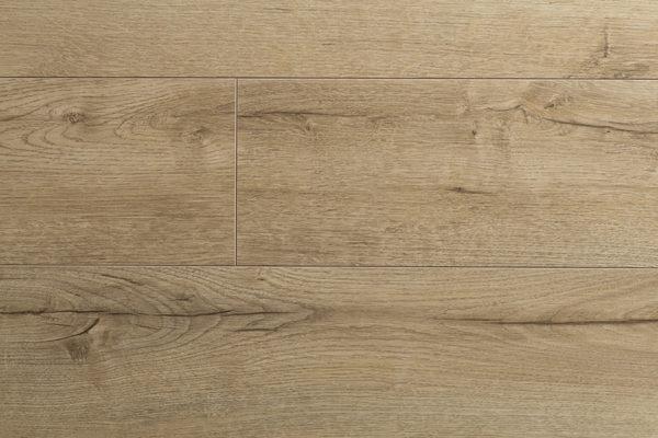 Ламинат Kronopol MARINE Pacific Oak производится в Польше на заводе известного швейцарского концерна SWISS KRONO. Экологически чистая и плотная плита HDF