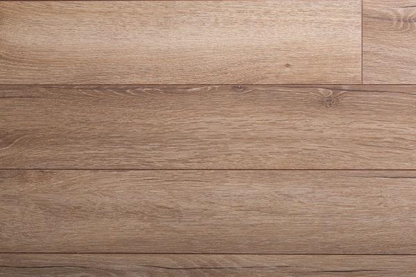 Ламинат Kronopol Linea Дуб Murano производится в Польше на заводе известного швейцарского концерна SWISS KRONO. Экологически чистая и плотная плита HDF