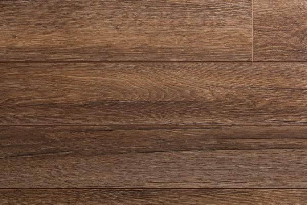 Ламинат Kronopol Linea ДУБ АЛЕКСАНДРИЙСКИЙ производится в Польше на заводе известного швейцарского концерна SWISS KRONO. Экологически чистая и плотная плита HDF
