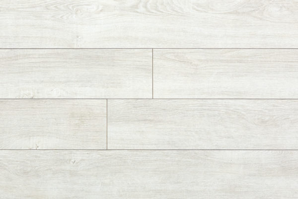 Ламинат Дуб Сорренто My Step производится в Европе на заводах швейцарской группы SWISS KRONO. Имеет плиту высокой плотности и высокий 33 класс коммерческой износостойкости. Собирается на замке без крепления к основанию. Дополнительно рекомендуем приобрести подложку.