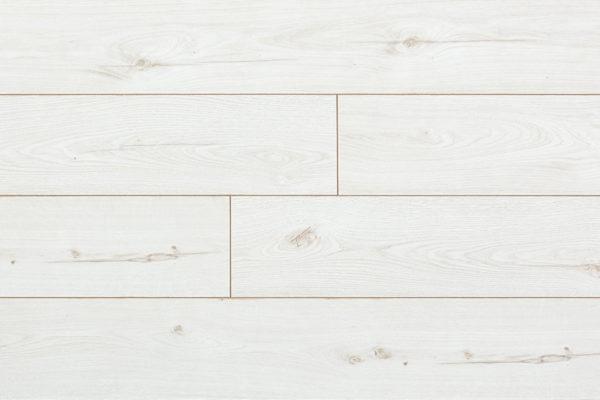 Ламинат Дуб белый My Step производится в Европе на заводах швейцарской группы SWISS KRONO. Имеет плиту высокой плотности и высокий 33 класс коммерческой износостойкости. Собирается на замке без крепления к основанию. Дополнительно рекомендуем приобрести подложку.