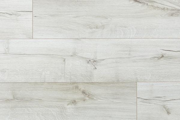 Ламинат Дуб Белир My Step производится в Европе на заводах швейцарской группы SWISS KRONO. Имеет плиту высокой плотности и высокий 33 класс коммерческой износостойкости. Собирается на замке без крепления к основанию. Дополнительно рекомендуем приобрести подложку.