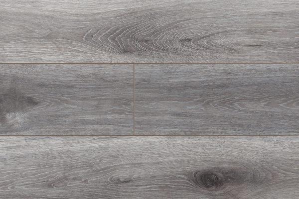 Ламинат Дуб Каммель My Step производится в Европе на заводах швейцарской группы SWISS KRONO. Имеет плиту высокой плотности и высокий 33 класс коммерческой износостойкости. Собирается на замке без крепления к основанию. Дополнительно рекомендуем приобрести подложку.